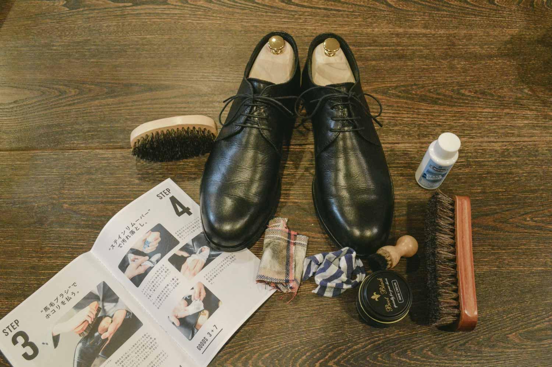 革靴を大切に。dripの靴磨きセットで靴を愛でると幸せな時間が訪れた。